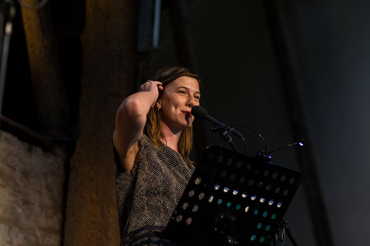 Charlotte van der Broeck - Dichter op de Deel 2017 - Fotografie: Jeroen van der Kalllen